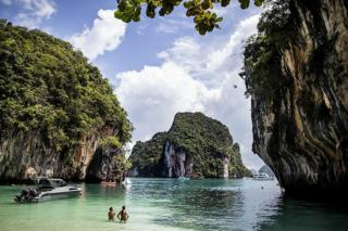 Cliff divers in Krabi
