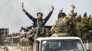 Afrin'e giren ÖSO güçleri