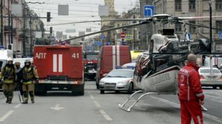 В спасательной операции, по данным властей Санкт-Петербурга, участвовали более 40 бригад скорой помощи