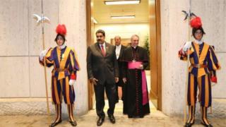Prezida Maduro yabonanye na Papa Francis