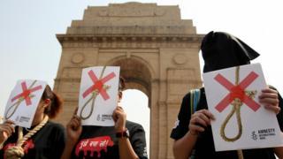 Акция Amnesty International против смертной казни десять лет назад в Индии.