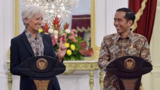 Presiden Joko Widodo dengan Direktur IMF Chritine Lagarde di Istana Presiden, Jakarta pada 2015.