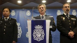 Spanish police news conference about the arrest of more than 200 Chinese involved in fraud, 14 December 2016