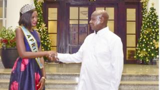 Museveni na Miss World Afrika.