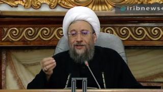 طعنه صادق لاریجانی به احمدینژاد: بست نشستن فایده ندارد