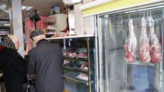 بحران گوشت در ایران؛ دلیل گرانی چیست؟