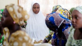 नाइजीरिया में बोको हराम से छुड़ाई गई लड़किया