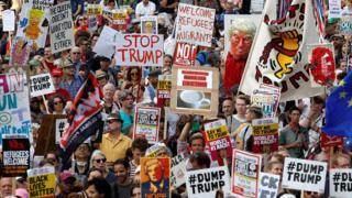 Aksi memprotes Trump