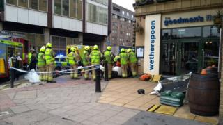 Car crash in Tower Hill