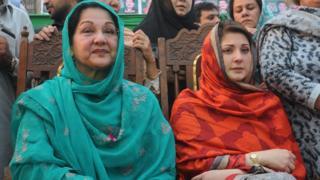 Kulsoom Nawaz and Maryam Nawaz at an election meeting in Lahore in May 2013