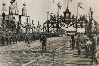 British and French troops lining up in Arkhangelsk in 1919