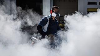 Singapur'da sivrisinek ilaçlaması