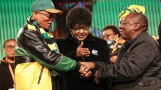 Jacob Zuma na makamu wake walazimishwa kusalimiana