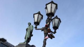 Кроссовки на протестестах в Москве