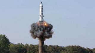 Kuzey Kore'den bir füze denemesine dair 22 Mayıs'ta servis edilen bir fotoğraf