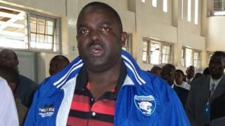 Mbunge wa makadara George Aladwa ni mwanasiasa wa tatau wa upinzani kukamtwa na maafisa wa polisi tangu kiongozi wa upinzani Raila Odinga alipojiapisha