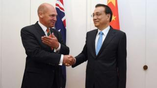 Australian Senate President Stephen Parry with Chinese Premier Li Keqiang