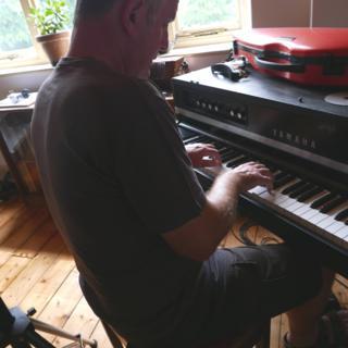 Wrth piano Cat Stevens