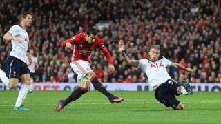 Henrikh Mkhitaryan yana cin Tottenham