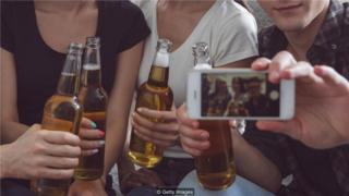 飲酒與健康:為何有人千杯不醉 有人卻不省人事