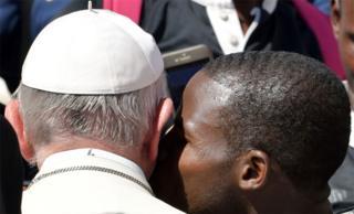 د واتیکان په ښارکې له کډوالو جوړ د رګبي د لوبډلې یو لوبغاړی د کاتولیکې کلیسا مشر پاپ فرانسس ښکل کړ.