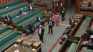 in_pictures MPs line up to vote