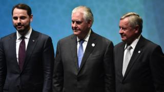 Enerji Bakanı Berat Albayrak, ABD Dışişleri Bakanı Rex Tillerson ve Dünya Petrol Kongresi Başkanı Jozsef Toth