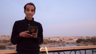 Hossam Eldin, 26 ans, se bat contre la discrimination vécue par les habitants de la Nubie.