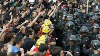 加泰隆尼亞對西班牙——獨立公投的前因後果