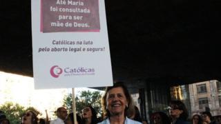 Maria José Rosado-Nunes em marcha contra a PEC 181
