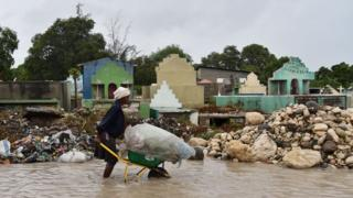 "Столица Гаити Порт-о-Пренс после урагана ""Мэтью"""