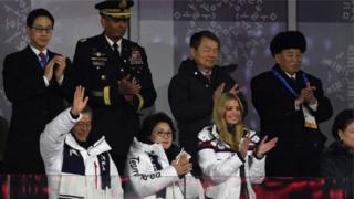 Tướng Kim Yong-chol của Bắc Hàn và bà Ivanka Trump vỗ tay trên cùng một khán đài - nhưng sẽ không gặp nhau