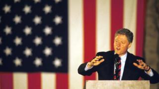 ビル・クリントン元大統領は1992年の大統領選で孤立主義と保護主義を否定した(写真は1992年当時のクリントン氏)