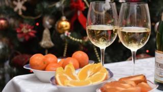 Мандарини и шампанское