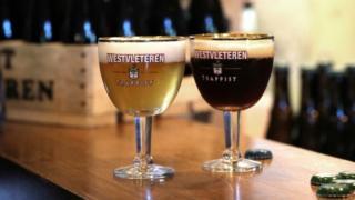 Чаша белгијског монашког пива