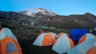 Килиманджаро и стена Баранк