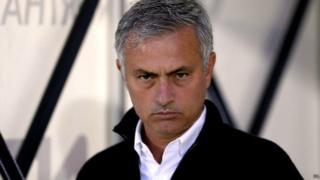 Mourinho ayaanan guuleysan lixdii ciyaar ee ugu dambeysay