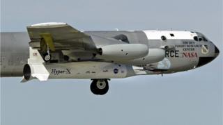 بغیر انسان والا X-43A ہائپرسونک ریسرچ طیارہ