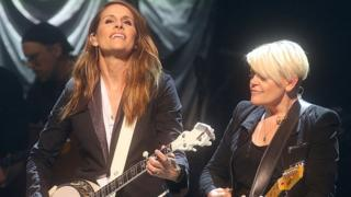 Emily Robison (left) and Natalie Maines of The Chicks