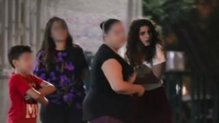 """حملة بعنوان """"مين الفلتان؟"""" أي من هو المنحلَ اخلاقيا، تثير في لبنان جدلا واسعا. وتهدف الحملة التي قامت بها جمعية """"أبعاد"""" لنشر الوعي بضرورة محاسبة المغتصِب بدلا من الحكم على الضحية."""
