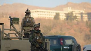 """Силы безопасности Афганистана у гостиницы """"Интерконтиненталь"""""""