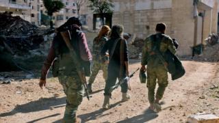Abarwanya leta ya Syria babandanije gushira ibirwanisho hasi mu muji wa Aleppo