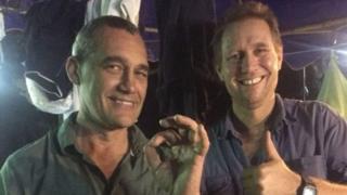 Craig Challen (kiri) dan Richard Harris adalah penyelam berpengalaman.