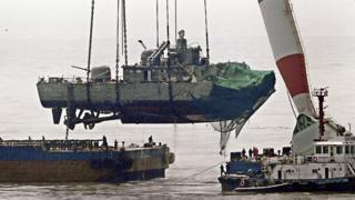 2010년 천안함 침몰로 46명의 해군 장병이 목숨을 잃었다