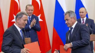 لدى توقيع الاتفاق الروسي التركي في منتجع سوتشي بروسيا