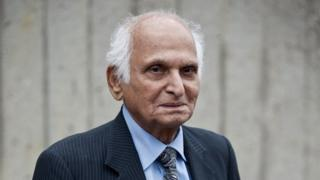 A file picture taken on May 20, 2013 shows author Intizar Hussain during a photocall for the finalists of the 2013 Man Booker International literary prize in London.