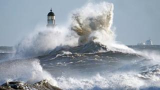 UK weather: Storm Brendan to declare rain and 70mph wind gusts thumbnail