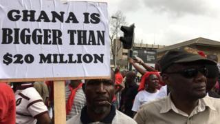 Ghana pipo dey protest for street