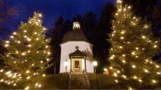 Silent Night là một trong những ca khúc Giáng sinh được yêu thích nhất thế giới