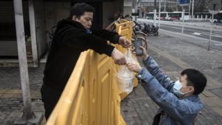 محدودیت رفت و آمد در شهر ووهان چین ادامه دارد